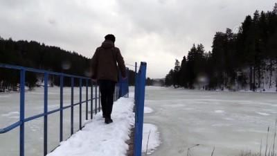 Bozcaarmut Göleti buz tuttu - BİLECİK