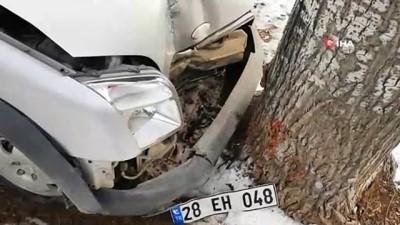 insaat firmasi -  Gümüşhane-Tirebolu karayolunda aracın üzerine kaya düştü: 4 yaralı