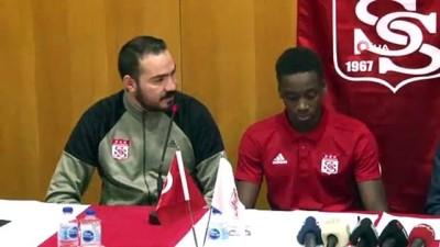 forma - Sivasspor, Diabate'ye resmi imzayı attırdı