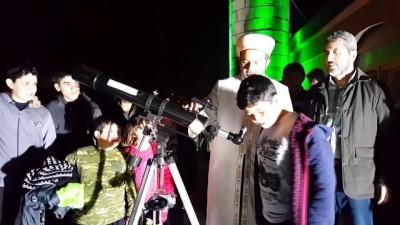Teleskopla çocukların ve gençlerin ilgisini camiye çekiyor - OSMANİYE