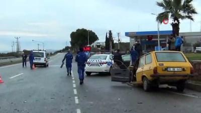 Ayvalık'ta iki kişinin yaralandığı kaza kamerada