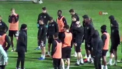 Beşiktaş'ın hazırlık maçına yağmur engeli