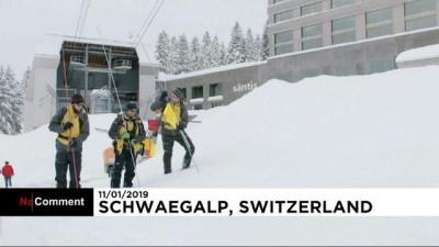 İsviçre'de aşırı kar yağışı çığ düşmesine neden oldu