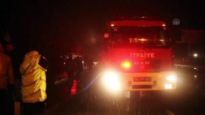 trafik kazasi - Kocaeli'de trafik kazası: 3 yaralı