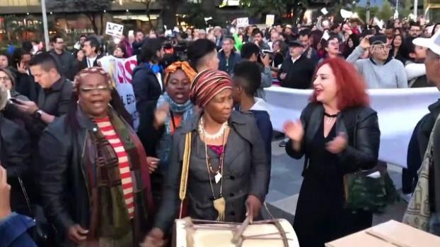 insaat firmasi - Kolombiya'da Başsavcı Martinez'in istifası için protesto - BOGOTA