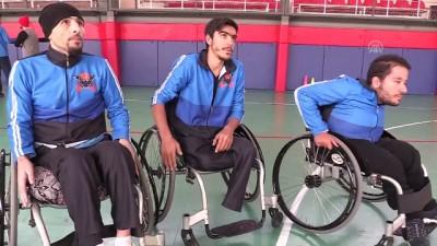 'Tekerlekli sandalyelerine adeta kanat takıyorlar' - MUŞ