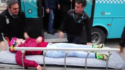 Halk otobüsleri ambulans gibi çalışıyor: Yarım saat içerisinde 2 kadın hastayı hastaneye yetiştirdiler