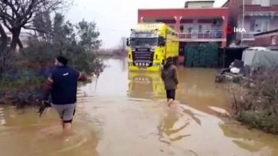 asiri yagis -  İzmir'de yağmur geçti, baskınların etkileri geçmedi