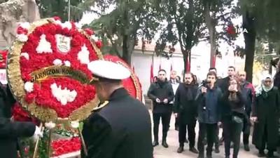 Onlarca kişi Zübeyde Hanım'ı anmak için mezarı başındaydı