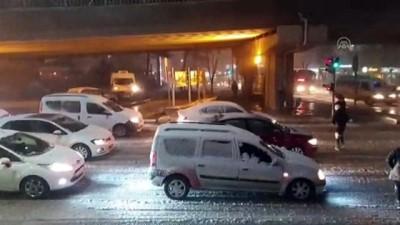 Yoğun kar ulaşımı etkiliyor - UŞAK
