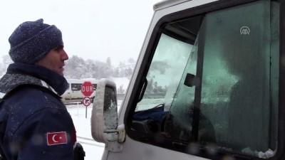 Yoğun kar ulaşımı olumsuz etkiledi (2) - BİLECİK