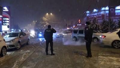 Yoğun kar yağışı ulaşımı aksattı - KARABÜK