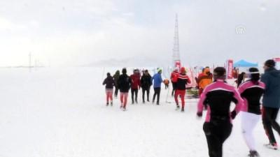 Dondurucu soğukta 'Kayaklı Koşu Eleme Yarışması' - BİTLİS