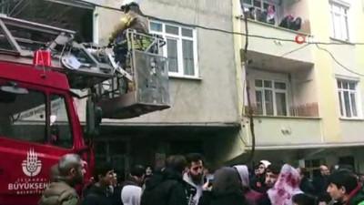 Esenyurt'ta binada yangın: 10 kişi kurtarıldı