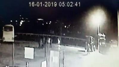 Hareket eden otobüsün altında kalan İranlı şoför öldü - ERZİNCAN