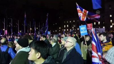 alabalik - İngiliz parlamentosu May'in Brexit anlaşmasını reddetti - Sevinç gösterileri - LONDRA
