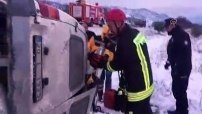 İşçi servisi devrildi: 12 yaralı - DENİZLİ