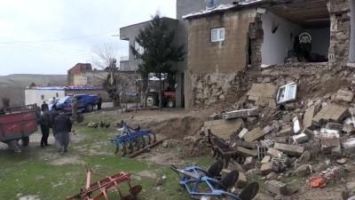 Sağanaktan dolayı toprak ev çöktü - ADIYAMAN