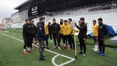 Suriyeli futbolcu hayali için Türkiye'de - ANKARA