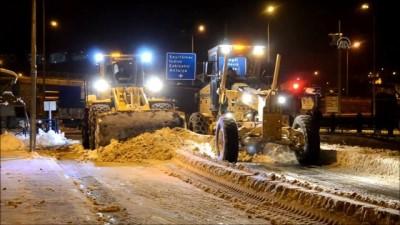 24 saatte 300 kamyon kar taşındı - BİLECİK