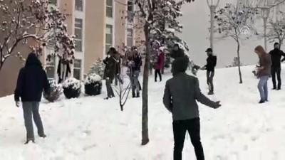 Afrikalı öğrencilerin kar sevinci - KARABÜK