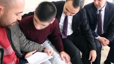 Bedensel engelli Eren ve annesinin okuma yazma azmi - SİVAS