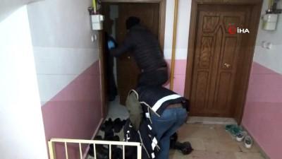 FETÖ'nün gaybubet evine operasyon: 4 gözaltı