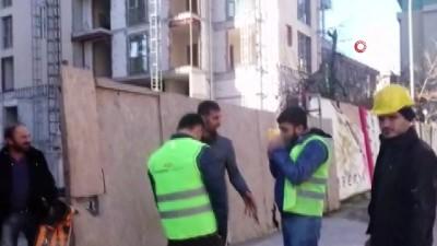 saglik ekipleri -  İnşaat işçisi 12'nci kattan düşerek hayatını kaybetti