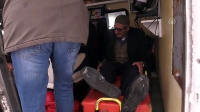 saglik ekipleri - Kardan kapanan yolu açıp kalp hastasının imdadına yetiştiler - ERZURUM