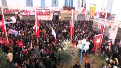 Tunus'ta genel greve giden memurlardan maaş protestosu (2)