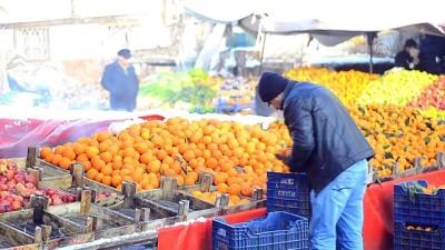 Halk pazarı dua ile açılıp kapanıyor - TOKAT
