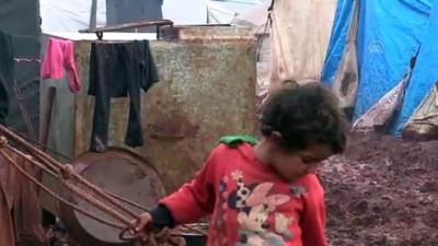 Kamplarda soğuk ve çamurla imtihan - İDLİB