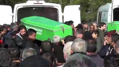 cenaze - Kazada ölen aynı aileden 5 kişinin cenazesi defnedildi - ADANA