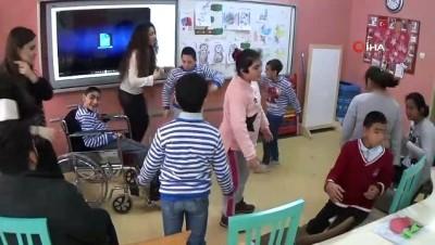 Özel çocukların karne sevinci