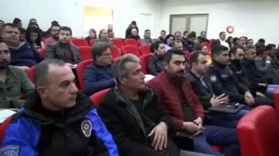 Ressam Polis Başmüfettişi Ahmet Sula konferansta acenta temsilcileri ile bir araya geldi Video