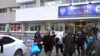 Tutuklanan şahıs gazetecilere böyle saldırdı
