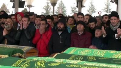 Yangında ölen iki Suriyeli Karşıyaka'da defnedildi