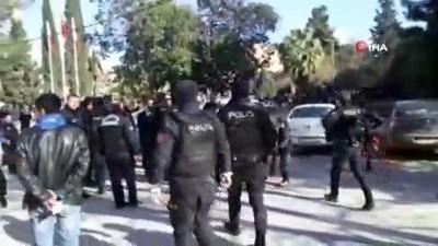 Kızıltepe'de taşlı sopalı kavga: 3 yaralı