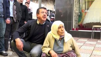 Nihat Zeybekci ile Safiye Teyze'nin sempatik tüp diyaloğu