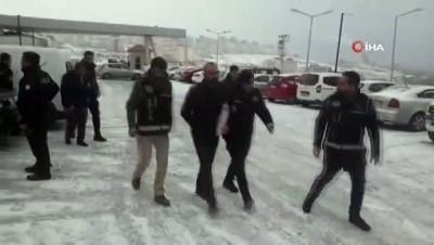 Van merkezli 6 ilde kaçakçılık operasyonu: 40 gözaltı