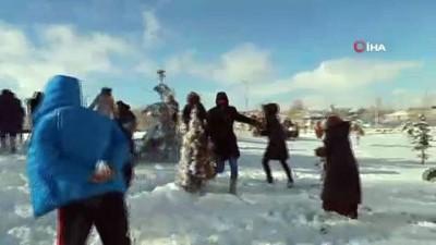 Yabancı öğrencilerin kar mutluluğu