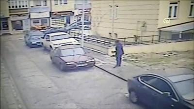 İş yerine silahlı saldırı güvenlik kameralarına yansıdı - BİLECİK