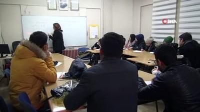 Sığınmacılar, üniversite hayallerine hazırlanıyor