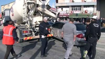 Okmeydanı'nda makas atan sürücü zincirleme kazaya neden oldu