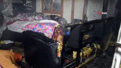 Tosya'da 10 kişinin yaşadığı evde çıkan yangın korkuttu