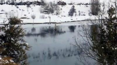 Donan barajda su çekildi cami minaresi ortaya çıktı - SİVAS