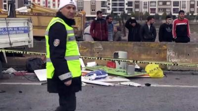 Kamyonet beton bariyere çarptı: 1 ölü, 3 yaralı - AYDIN
