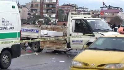 cenaze -  - Kontrolden çıkan kamyonet bariyerleri yıktı: 1 ölü, 3 yaralı