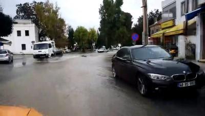 Şiddetli yağış nedeniyle evleri su bastı (2) - MUĞLA