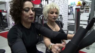 Kiloları yüzünden yürümekte zorlanan kadın 1 yılda 60 kilo verdi